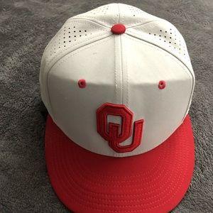 Oklahoma University Nike True Dri-Fit Flex Fit Hat